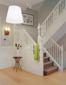 Escadaria e lustre