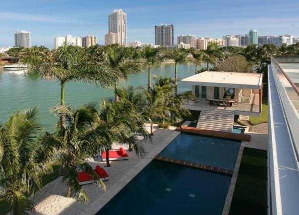 Arquitetura e Decoração de casa em Miami - vista de cima da casa