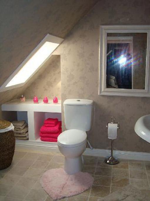 Dica de decoração de banheiro no sotão com banheira vitoriana
