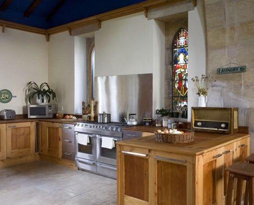 Arquitetura e decoração de casa em igreja - decoração de cozinha