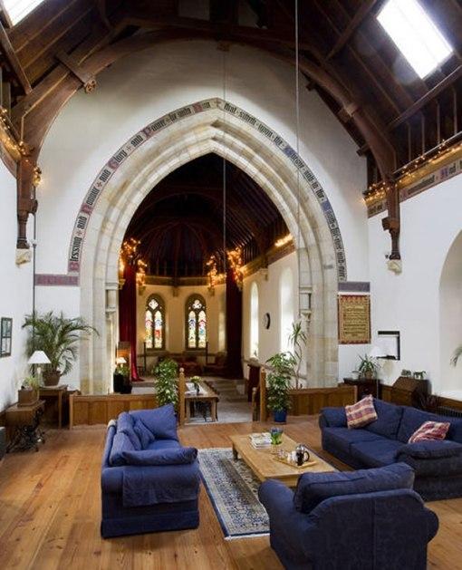 Arquitetura e decoração de casa em igreja - Decoração de sala de estar e sala de jantar