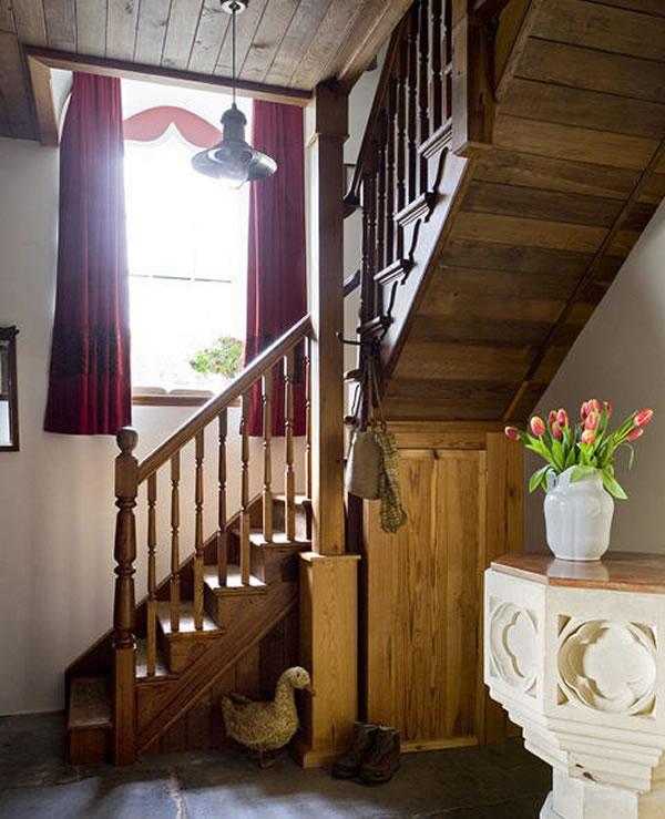Arquitetura e decoração de casa em igreja - Escadaria