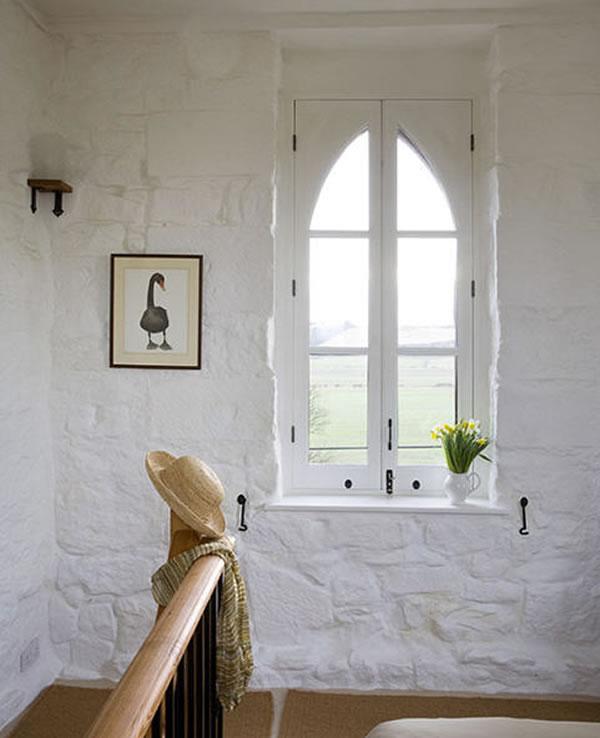 Arquitetura e decoração de casa em igreja - janela