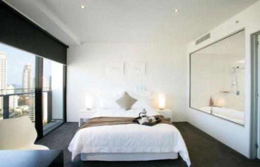 Dica de decoração - Arquiterura e decoração de casa na Gold Coast - Decoracao de quarto de casal com vista para cidade