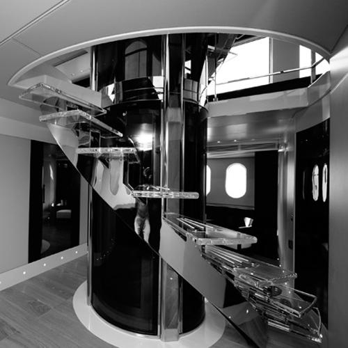 dica de decoração de interior de yacht - Escadaria